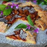 Rustykalna tarta ze śliwkami, cynamonem i nutą imbiru