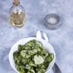 Sałatka z zielonego ogórka z koperkiem