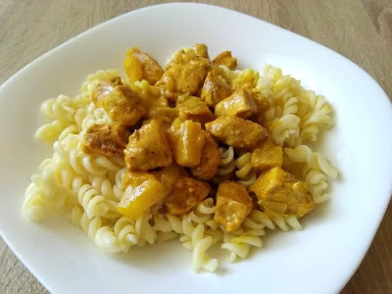 Przepis Na Kurczak Curry Z Ananasem W Kuchni Bez Szafek