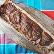 Kruche ciasto z gruszkami i rozmarynem
