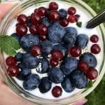 Jogurt z owocami – czyli drugie śniadanie na diecie