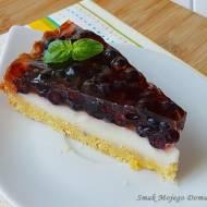 Kruche ciasto z budyniem, jagodami i galaretką