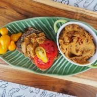 Pasta z bakłażana z suszonymi pomidorami i słonecznikiem