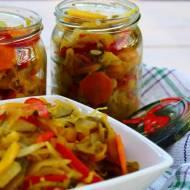Sałatka z cukinii w curry - do słoików