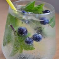 Drink miętowo-limonkowy