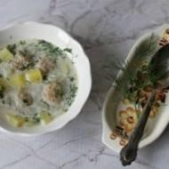 Zupa z kalarepy z pulpecikami