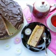 Sernik waniliowy z kajmakiem i polewą czekoladową na zimno – przepis krok po kroku