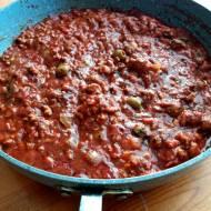 Mięsny sos z oliwkami (do makaronu, kasz i ryżu)