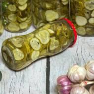 Klasyczna sałatka szwedzka z ogórków, do słoika