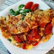 Bułomlet – czyli omlet z kajzerką i pomidorami