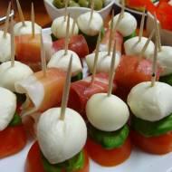Fit imprezowe przekąski – kolorowe koreczki z frittaty