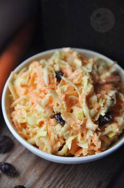 Surówka z selera, marchewki i pora