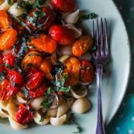 Makaron z pieczonymi pomidorkami