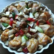 Podudzia z kurczaka z piekarnika - z papryką, borowikami i cebulą