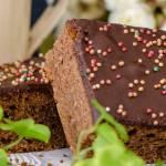Czekoladowe brownie dietetyczne z powidłami