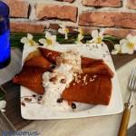 Naleśniki z migdałowym farszem i sosem czekoladowym