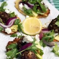 Zdrowy obiad – kotleciki z awokado i serem feta