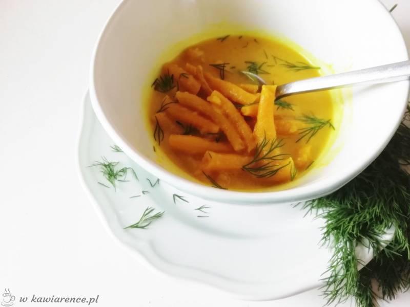 Obiad w kolorze słońca czyli zupa z cukinii i fasolki szparagowej
