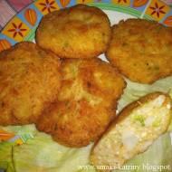 kotlety rybne z jajkiem na twardo, brokułem-pyszne