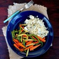 Ryż z serem pleśniowym i szafranem z dodatkiem marchewki chantenay i fasolki