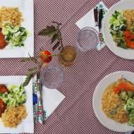 Rodzinne obiady wegan w towarzystwie sermiwegetarian