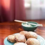 Kruche, kokosowe ciastka z jeżynami i malinami