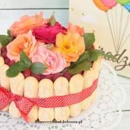 tort z kremem malinowym