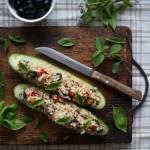 Zielone ogórki faszerowane tuńczykiem i kaszą bulgur