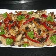 Kurczak w warzywach w sosie sojowym