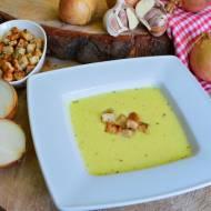Zupa cebulowo - serowa z ziołowymi grzankami