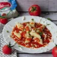 Bezglutenowe kopytka z sosem pomidorowo-mozzarellowym