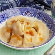 Pierogi z serem białym i zrumienioną cebulką.