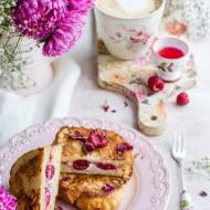 Malinowo-różane tosty francuskie z twarożkiem