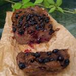 Brownie z kaszy jaglanej z czarną porzeczką