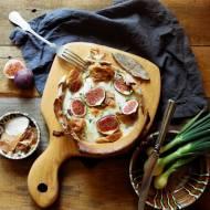 Mozzarella zapiekana z figami i szynką parmeńską w cieście makaronowym (bez glutenu)