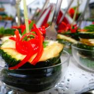 Cukinia z kremem ziołowo-serowym