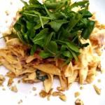 Makaron z szpinakiem, chudą szynką oraz orzechami w kremowym sosie z mascarpone – wyjątkowo pyszny i szybki obiad