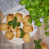 Szybkie parówki w cieście z serem i pastą warzywną (na piknik lub przyjęcie)