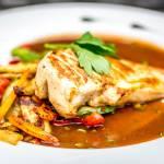 Pierś z kurczaka w sosie kurkowym – więcej niż smaczny przepis!