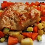 Pierś kurczaka na pęczaku z warzywami