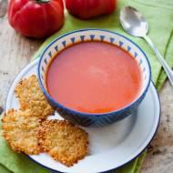 Zupa z pieczonych pomidorów z chipsami z parmezanu i kaszy quinoa