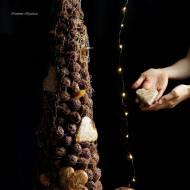 Czekoladowa wieża ptysiowa z pierniczkami i nutą pomarańczy