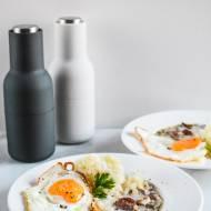 Barszcz biały z tłuczonymi ziemniakami i sadzonym jajkiem