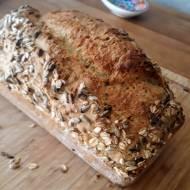 Chleb z zieloną czubrycą