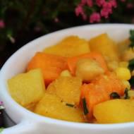 jesienna wegetariańska potrawka - dynia, batat, ciecierzyca i inne cuda