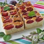 Ciasto na maślance i oleju ze śliwkami