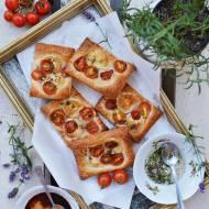 Francuskie tartaletki z kozim serem i lawendą
