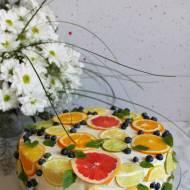 Tort cytrynowy z plastrami cytrusów