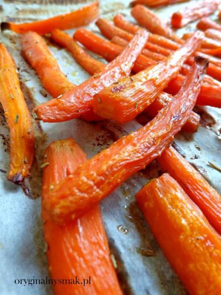 Pieczona marchewka z rozmarynem