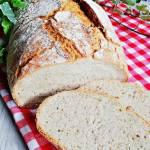 Chleb z amarantusem i babką jajowatą